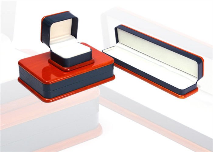 Red & Black Plastic Jewelry Box Recyclable Dustproof Full Color Offset Printing
